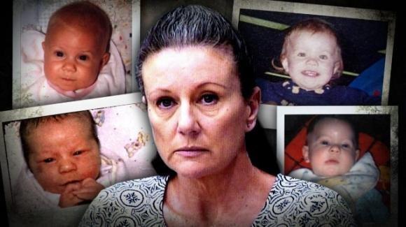 """Condannata 18 anni fa per aver ucciso 4 figli, i medici scoprono: """"È innocente, sono morti per una malattia genetica"""""""