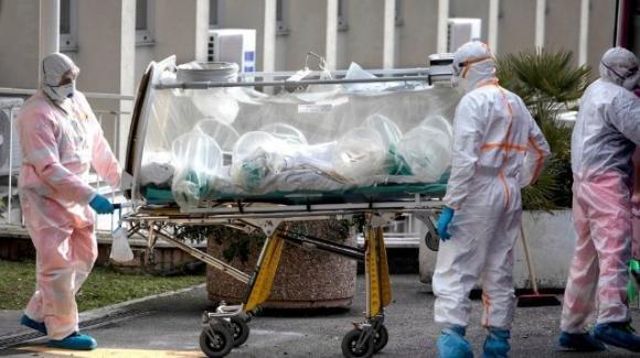 Brindisi, giovane portiere di calcetto muore per Covid: era ricoverato in Rianimazione da giorni