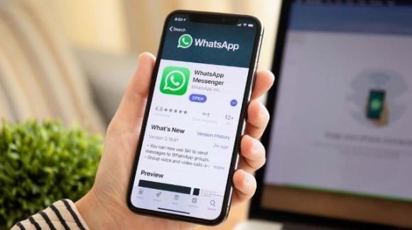 WhatsApp: novità su note audio velocizzate e sul nuovo Archivio