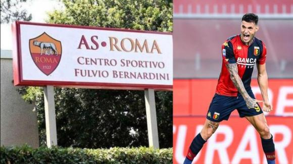 Il padre del calciatore Scamacca minaccia e danneggia auto a Trigoria
