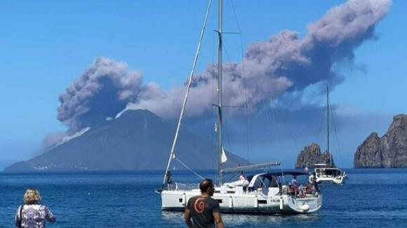 Stromboli, erutta il vulcano: forte boato avvertito dalla popolazione