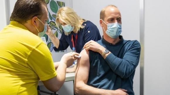 """Il Principe William si vaccina: """"oggi ho ricevuto la prima dose"""""""