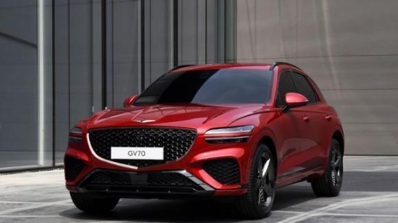 Hyundai, lanciato sul mercato Usa il nuovo Suv premium GV70: disponibili due versioni