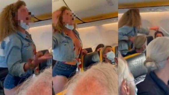 Bergamo, insulti omofobi, calci e sputi su un volo Ryanair: denunciata una passeggera