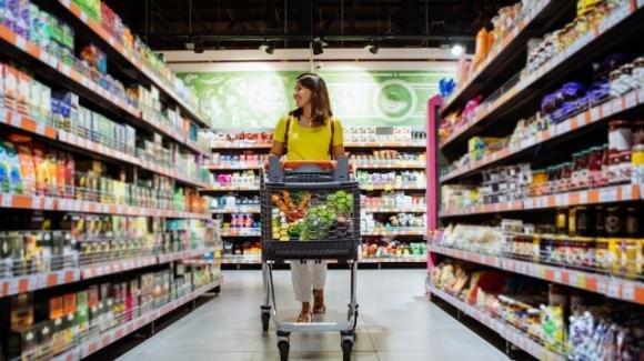 Firenze, mamma dimentica la figlia al supermercato, ora rischia di essere denunciata