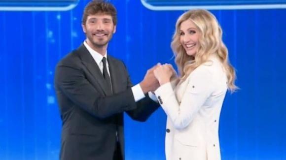 Stefano De Martino in arrivo la domenica pomeriggio a Canale 5: pronto ad affiancare la Cuccarini