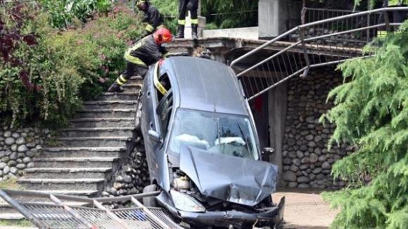 Bergamo, morto il bimbo investito da un'auto in un parco del milanese