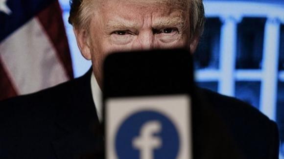 """Facebook sospende Trump per due anni. """"Un insulto a chi ha votato per me"""" la risposta del tycoon"""