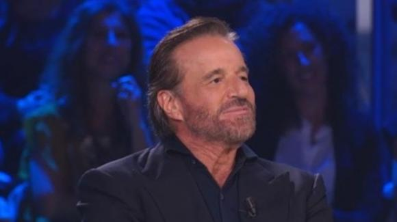 "Christian De Sica furioso sui social e volano parolacce: ""Non valete niente"""