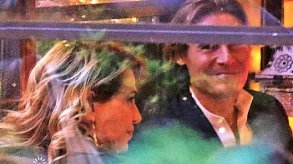 Barbara D'Urso: serata romantica in tacchi a spillo e calze a rete in compagnia del suo Zangrillo
