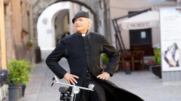 """Terence Hill lascia """"Don Matteo"""": il figlio Jess spiega i motivi dell'addio"""