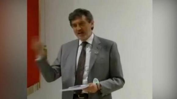 """Pescara, Marco Marsilio: """"Abruzzo bagnato da 3 mari"""", la gaffe al Consiglio Regionale"""