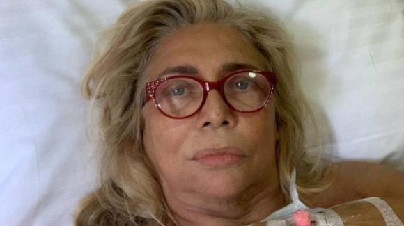 """Mara Venier: """"Sono distrutta, ho una paresi totale alla faccia, andrò per vie legali"""""""