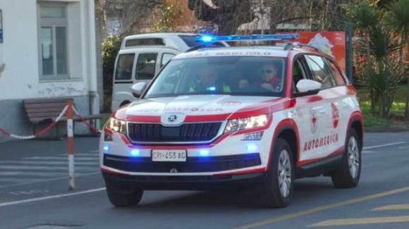 Brescia, deruba un automobilista e poi ha un infarto: ladro salvato dalla vittima del furto