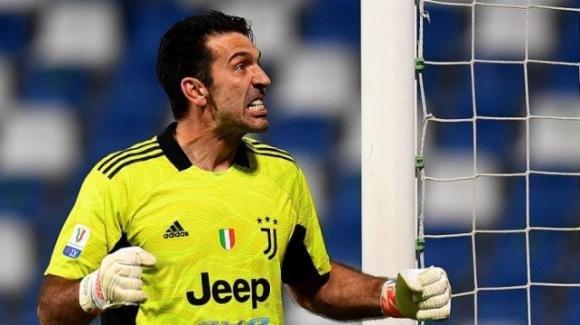 Gianluigi Buffon ha deciso di ritornare al Parma: trattativa in chiusura