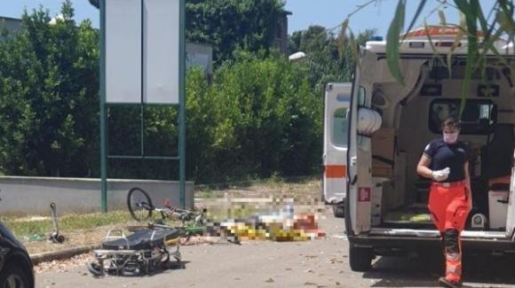 Roma, spari in strada ad Ardea: uccisi un anziano e due bambini