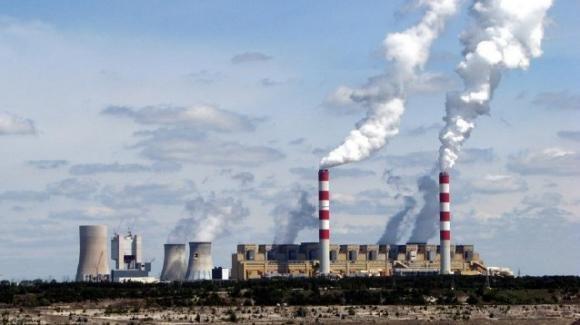 Polonia, chiuderà nel 2036 la centrale elettrica a carbone più inquinante d'Europa