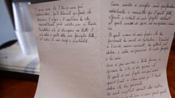 Strage di Ardea, oggi i funerali: la lettera della madre del killer
