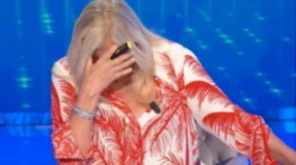 Domenica In, Mara Venier ritorna in onda e scoppia in lacrime dopo la paresi facciale