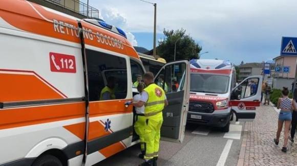 Bolzano, richiedente asilo colpisce senza motivo i passanti con sassi e una spranga di ferro