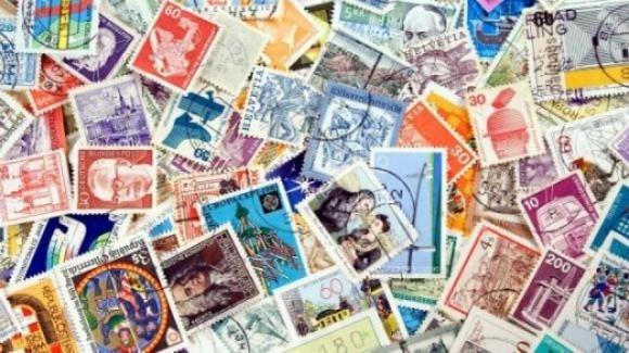Tre omaggi in francobolli per tre giganti della cultura italiana