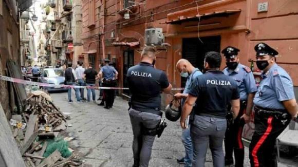 Napoli, motociclista picchia i Vigili Urbani per una strada chiusa al traffico