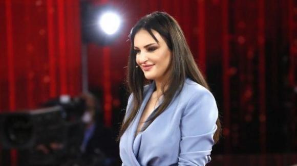 Arisa rifiuta una proposta da 200 mila euro da un altro programma per restare ad Amici