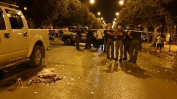 Foggia, festeggia la vittoria dell'Italia con il nipotino: uomo ucciso a colpi di pistola in strada