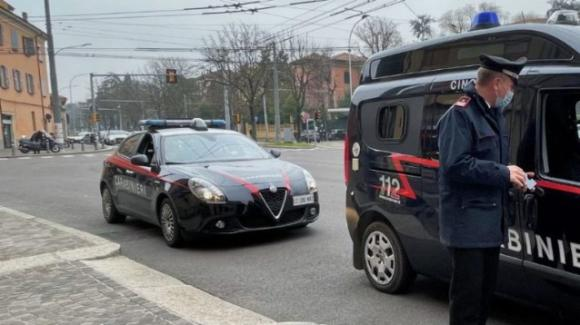 Bologna, madre e figlio trovati senza vita in casa: erano deceduti da mesi