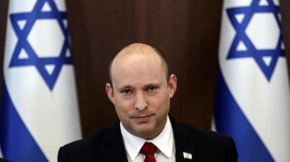 """Israele, Naftali Bennett preoccupato dalla variante Delta: """"Non sappiamo fino a che punto il vaccino aiuti"""""""