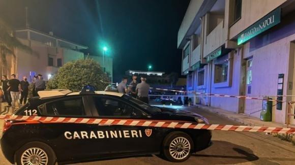 Lecce, ex direttore di banca ucciso a colpi di pistola sotto gli occhi della moglie