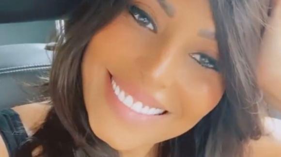 Carolina Marconi e il cancro: l'ex gieffina torna su Instagram con la parrucca
