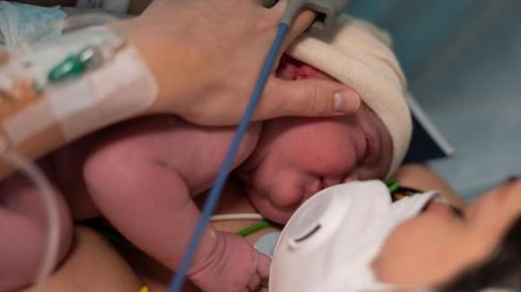 Palermo, un neonato e un bambino ricoverati a causa del Covid-19: contagio avvenuto in famiglia