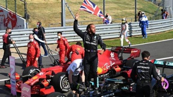 F1: Hamilton vincitore tra le polemiche, con uno stupendo Leclerc secondo