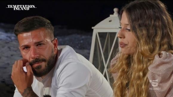 "Temptation Island, Floriana lascia Federico: ""Mi fai schifo!"""