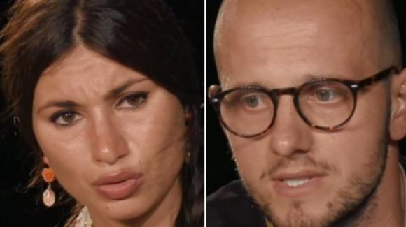 """Temptation Island, Stefano attacca Manuela: """"È una brava ragazza, ma sa fare solo le pulizie"""""""