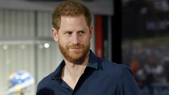 """Il principe Harry sta per pubblicare un libro considerato """"il più esplosivo del decennio"""""""