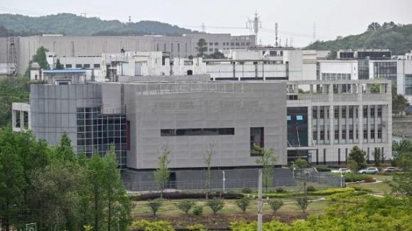 """Covid-19, governo cinese pronto ad un accordo con gli USA: """"Il virus è scappato da un laboratorio"""""""