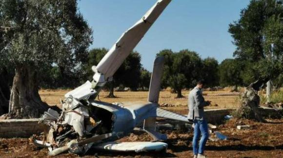 Brindisi, aereo ultraleggero precipita nelle campagne: morti due giovani