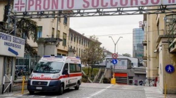 Torino, ha un malore e muore improvvisamente: sette ore prima aveva fatto il vaccino anti Covid