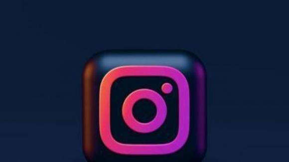 Instagram: in attesa del restyling per il loro edit, nelle Storie attiva la traduzione automatica del testo