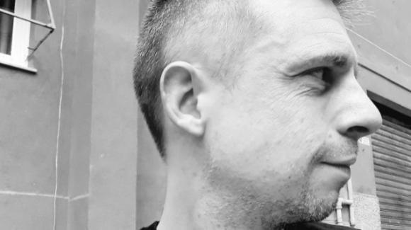 Genova, trovato morto lo scrittore Christian La Fauci: accanto a lui la madre deceduta