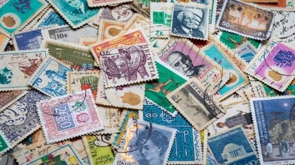 Per quattro località il turismo è anche con i francobolli
