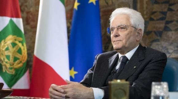 """Sergio Mattarella: """"Eccessivo ricorso alla decretazione d'urgenza, riconsiderare modalità di esercizio"""""""
