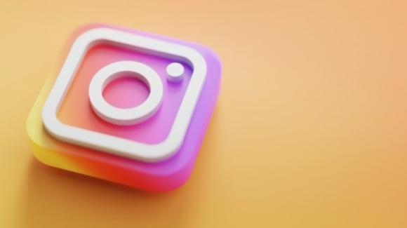 Instagram: novità contro il razzismo e per le metriche, bozze delle Storie, funzioni svelate