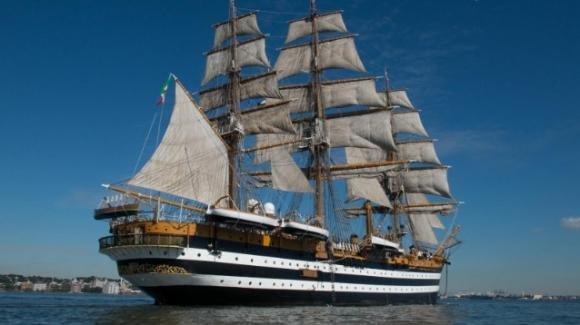 La Spezia, 20 positivi al Covid-19 sulla nave Amerigo Vespucci