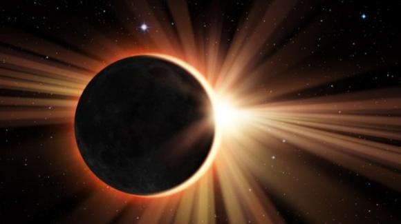 Eclissi di luna il 27 luglio 2021: ma è soltanto una bufala