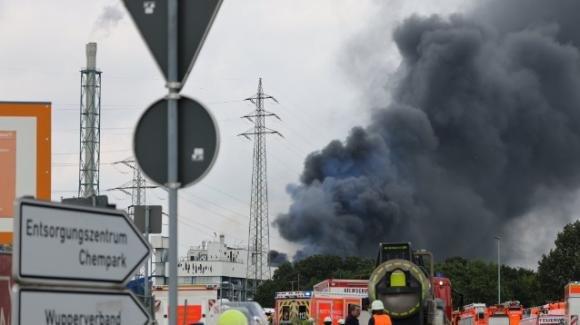 Leverkusen, esplode inceneritore di rifiuti pericolosi: ci sono diversi feriti