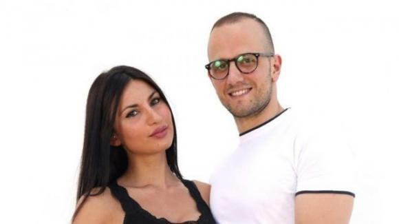 """Temptation Island, Manuela bacia Luciano e picchia Stefano: """"Non siamo fatti per stare insieme"""""""