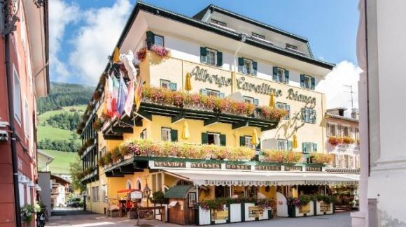 Bolzano, chiude un hotel no mask: i dipendenti non indossavano le mascherine